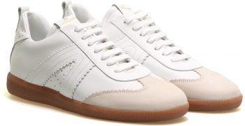"""<p class=""""caption"""">Damensneaker der Marke """"Copenhagen"""". Gesehen bei Rosenberger Schuhe um 149,90 Euro.</p>"""