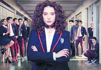 Élite, 3. StaffelSerie, Netlix. Die dritte Staffel der spanischen Teenager-Serie startet am kommenden Freitag. Laut kino.de sollen zwei neue Schüler zum Cast hinzukommen. Zudem soll laut spanischen Medienberichten bereits eine vierte und fünfte Staffel in Planung sein.