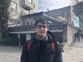 """<p>Fabian, 16, Altach: """"Ich finde das Ganze ein bisschen übertrieben. Die Angst ist für mich zwar verständlich, aber die ganze Panik und Hamsterkäufe sind für mich auf jeden Fall übertrieben.""""</p>"""