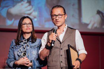 """Gabi und Christian Micheluzzi durften sich im letzten Jahr über eine Auszeichnung zu """"Vorarlbergs erfolgreichste Familienunternehmen"""" freuen: """"Das war eine ganz tolle und spannende Erfahrung!""""Foto: Sams"""
