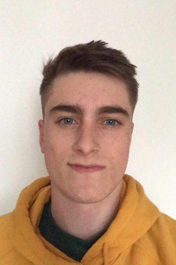 """<p>Jakob, 20, Bregenz: """"Mit meiner Familie gehe ich diesen Sommer in Italien in den Urlaub. Für uns spielt das Coronavirus keine Rolle. Blöd wäre, wenn das Einreiseverbot in unserer Gegend aufrecht bleibt.""""</p>"""