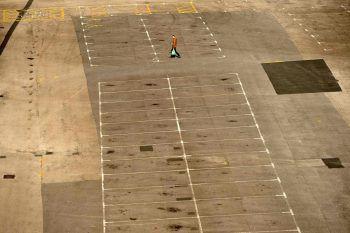 <p>Manchester. Leere: Keine Autos auf dem Parkplatz eines Einkaufhauses.</p>