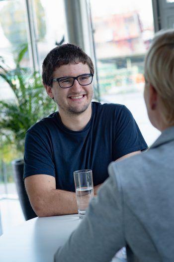 Max Reumiller ist als Software-Entwickler bei InnoNav angestellt und studiert nebenbei.