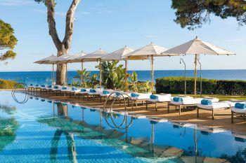 """<p class=""""title"""">               ME Ibiza *****             </p><p>Das Design-Hotel gehört zu den Leading Hotels of the World. Direkt am Meer und neben dem berühmten Nikki-Beachclub ist es mit seinem speziellen Stil ein Highlight der Insel. Atemberaubender Blick von der Dachterrasse.</p>"""