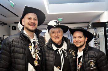 """<p class=""""caption"""">Mitglieder des Fanfarenzuges Max Kast, Sabine Frizzi und Philipp Schneider.</p>"""