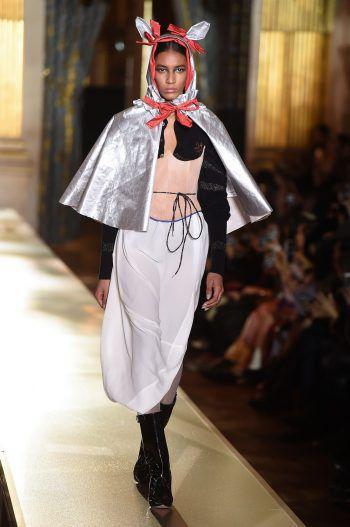 Paris. Gewöhnungsbedürftig: Diese Kreation von Vivienne Westwood aus ihrer Herbst- und Winterkollektion ist sicher wenig alltagstauglich.
