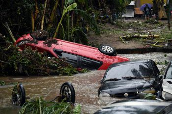 <p>Rio de Janeiro. Überflutet: Heftige Unwetter richteten in Vororten der brasilianischen Metropole schwere Schäden an.</p>