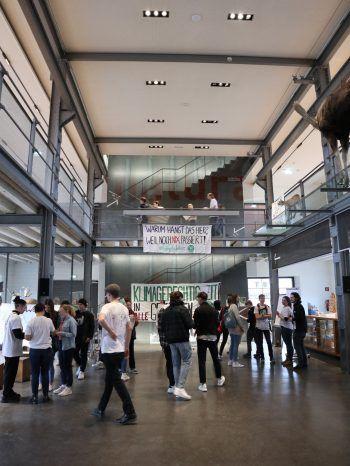Rund 50 Jugendliche haben sich angemeldet, am Jugendklimarat in der inatura in Dornbirn teilzunehmen. Fotos: W&W/Wohlgenannt