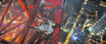 """SkyscraperFilm, Amazon Prime. Dwayne Johnson sorgt in """"Scyscraper"""" mit jeder Menge Action und packender Spannung für ein ganz neues Level von Höhenangst. Ab heute auf Amazon Prime."""