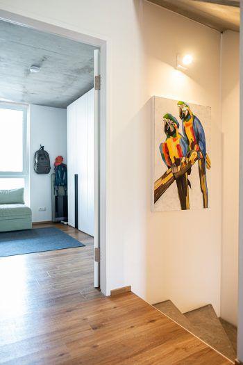 """<p class=""""caption"""">Smart, stylisch und leistbar: Die RIVA-Wohnungen sind modern gestaltet.</p>"""