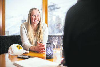"<p class=""caption"">WANN & WO zu Gast bei Nina Ortlieb im elterlichen Hotel Montana in Oberlech.</p>"
