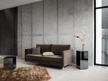 "<p class=""caption"">Zweisitzer-Couch Indivi ab 879 Euro.</p>"