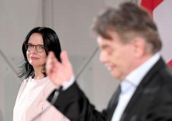 Andrea Mayer tritt heute die Nachfolge von Ulrike Lunacek an – im Kulturbereich steht sie vor einem Scherbenhaufen.Foto: APA