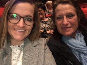 """<p class=""""caption"""">Auch Tina vom WANN & WO-Team pflegt ein inniges Verhältnis zu ihrer Mutter Elfriede: """"Mama und ich sind ein unschlagbares Team. Danke für alles!""""</p>"""