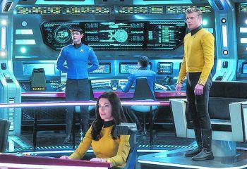 """Captain """"Chris"""" Pike, Spock und Nummer Eins kehren in """"Strange New Worlds"""" auf die """"USS Enterprise 1701"""" zurück. Starttermin noch unbekannt.Foto: CBS"""