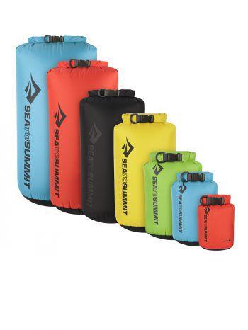 """SkisockenDie elastischen und atmungsaktiven Skisocken der Marke """"Lenz"""" gibt es im Doppelpack für 14,99 Euro. Sie transportieren die Feuchtigkeit sehr gut."""