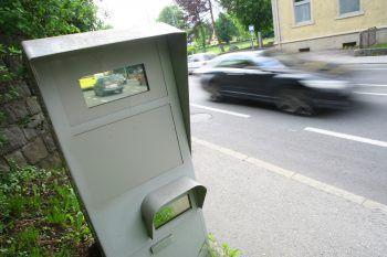 Unbekannte ließen ihren Frust an einer Radarbox in Feldkirch aus.Symbolfoto: Hofmeister