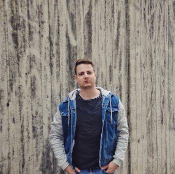 Alessandro sorgt bei Bury Me Alive nicht nur für geniale Gitarren-Riffs, sondern ist auch als Produzent der Band tätig. Foto: handout/privat