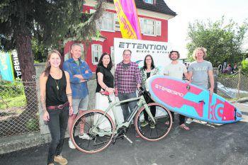 Carolin Schweiger, Peter Simon, Markus und Friederike Frick, Bgm. Katharina Wöß-Krall, Andreas Portenschlager und Mike Mayer.