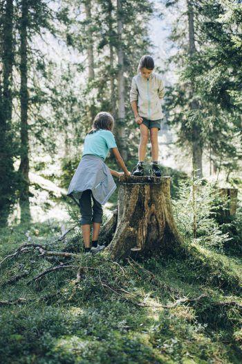 """<p class=""""caption"""">Der Bergsommer in Lech Zürs bedeutet Spaß für die ganze Familie.</p>"""