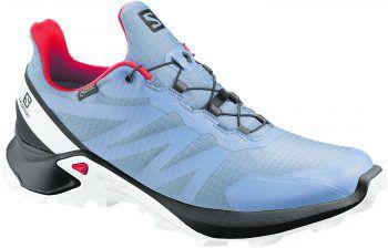 """<p class=""""caption"""">Der Salomon Trailrunning Schuh ist bequem. Mit leistungsstarkem Grip verspricht er stabilen Halt auf allen Terrains. Preis: 129,99 Euro.</p>"""