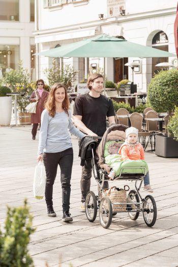 """<p class=""""caption"""">Die Dornbirner Innenstadt bietet für Shopping-Begeisterte viele tolle Läden, in denen nach Herzenslust eingekauft werden kann.</p>"""