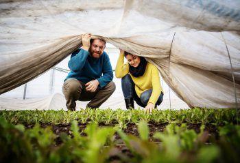 Eine Zusammenarbeit, die sich bewährt: Simon Vetter und Ulli Marberger legen viel Wert auf Nachhaltigkeit. Foto: handout/Markus Gmeiner