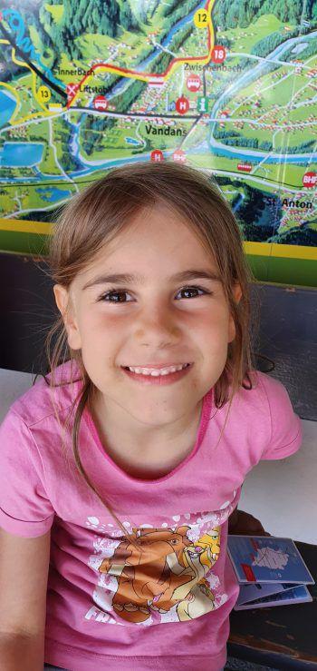 """<p>Emily, 6 Jahre, Dornbirn: """"Bei ,Golmis Forschungspfad' gab es verschiedene Spiele, wie ein Memory, das mir sehr gefallen hat. Auch die Rutschen waren richtig cool – da hatte ich mit meiner Familie viel Spaß!""""</p>"""
