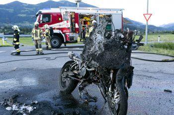 Das völlig zerstörte Motorrad. Foto: Dietmar Mathis