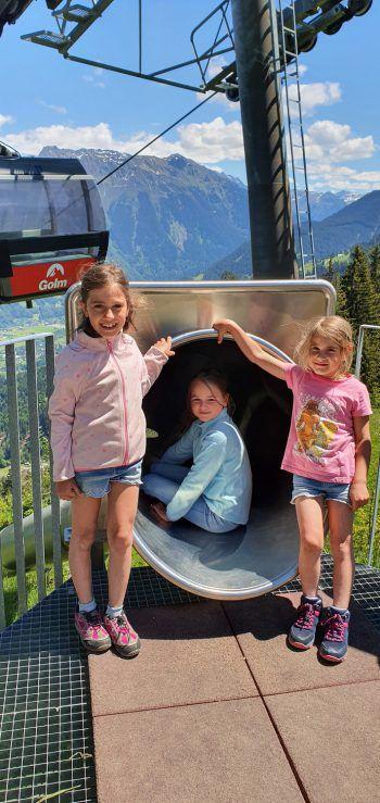"""<p class=""""caption"""">Für Aylin, Anna-Mae und Emily war der Ausflug ein echtes Highlight.</p>"""