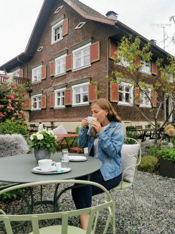 """<p class=""""title"""">               Gasthaus Johann             </p><p>""""Der neue Gastgarten im Gasthaus Johann lädt zum Verweilen ein. Der perfekte Ort, um sich am Nachmittag Kaffee und Kuchen oder auch einen Eisbecher zu gönnen.""""</p>"""