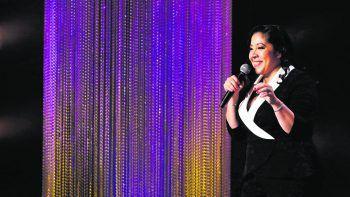 Gina Brillon: The Floor is LavaFilm, Stand-up Comedy (OV/OmU). Comedian Gina Brillon hatte schon immer ihre eigene Art, mit den Höhen und Tiefen des Lebens umzugehen. Die in der Bronx geborene Latina nimmt sich kein Blatt vor den Mund. Bereits verfügbar.