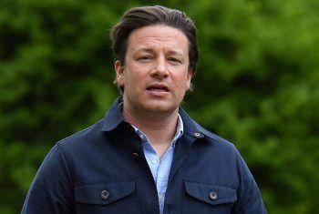 """<p class=""""title"""">Jamie Oliver</p><p>Der TV-Starkoch gründete eine Restaurantkette namens """"Jamie's Italien"""". 2019 musste er Insolvenz anmelden. Fotos: APA/AFP (4)</p>"""