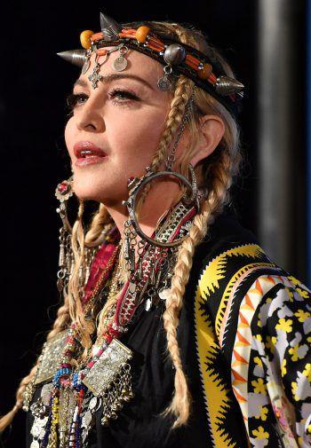"""<p class=""""title"""">Madonna</p><p>Rio de Janeiro ist der perfekte Ort, um sich am Strand zu entspannen, aber auch um eine andere Kultur kennenzulernen. Madonna liebt die Metropole.</p>"""