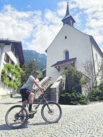"""Rungelin             """"Am liebsten bin ich in meiner Heimat im Bludenzer Ortsteil Rungelin. Hier kann ich mich sportlich auf dem Bike austoben, denn bei den 20 Prozent steilen Zufahrtsstraßen benötigt man viel Kraft, um sich im Sattel zu halten. Etwas über dem Rungeliner Kirchle ist mein Zuhause – da fühle ich mich richtig wohl."""""""