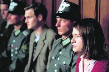 """<p class=""""title"""">Sophie Scholl – Die letzten Tage</p><p>Film, Drama. Februar 1943: Bei einer Flugblatt-Aktion gegen die Nazi-Diktatur wird die junge Studentin Sophie Scholl zusammen mit ihrem Bruder Hans in der Münchner Universität verhaftet.</p>"""