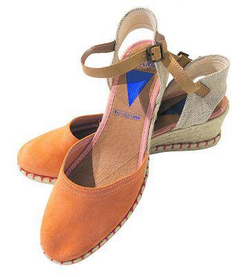 "<p class=""caption"">Süße ""Verbenas""-Sandalen. Preis: 54,90 Euro. Gesehen bei: Rosenberger Schuhe in Rankweil.</p>"