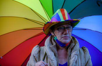 <p>Bogota. Bunt: Dieser Teilnehmer einer LGBT-Demonstration trägt die Regenbogenfarben der Community.</p>