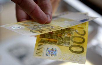 Die Betrüger bezahlten mit 200 Euro-Scheinen.Symbolfoto: AP