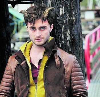 HornsFilm, Horror-Komödie. Es ist schlimm genug, dass Ig Perish (Daniel Radcliffe) des Mordes verdächtigt wird. Plötzlich wachsen ihm auch noch Hörner aus der Stirn und alle beichten ihm ihre Sünden. Läuft bereits.
