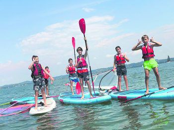 Jede Menge Spaß und Action am See bei den Camps von Mathias Tschögl.Foto: handout/Surfkultur Bregenz
