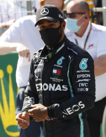 "<p class=""caption"">Lewis Hamilton geht heute hinter Valtteri Bottas ins Rennen.</p>"