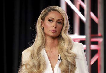 """<p class=""""title"""">Paris Hilton</p><p>Wie viele andere Promis (und so manch österreichischer Politiker) zieht es die Hotelerbin immer wieder auf die balearische Insel Ibiza. Hier genießt sie auf ihrer Yacht die malerischen Buchten und macht, wenn wieder möglich, in den Clubs die Nacht zum Tag.</p>"""