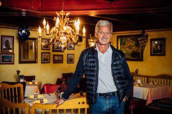 """<p class=""""caption"""">20 Jahre lang war Andrew Nussbaumer Fachgruppenobmann der Sparte Gastronomie. 2020 übergab er das Zepter an Mike Pansi.</p>"""