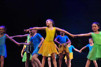 """<p class=""""caption"""">Auch die Kleinen können die Lust am Tanzen spielerisch erlernen.</p>"""