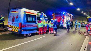 Aufgrund der Erstversorgung und Fahrzeugbergung war der Pfändertunnel kurzzeitig auf beiden Fahrbahnen gesperrt. Es kam zu Stauungen im Bereich Bregenz.Foto: VOL.AT/Vlach