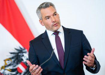 Innenminister Nehammer informierte gestern über den Spionagefall.Foto: APA