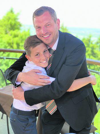 """<p class=""""caption"""">Julius hat in seinem Onkel Chriasl einen wahren Freund gefunden!</p>"""