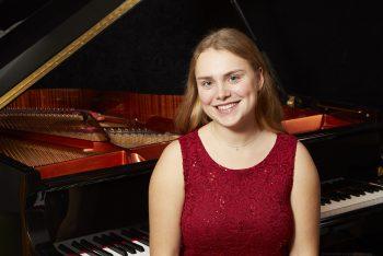 Laurah Maddalena Kasemann wird die Zuschauer am Klavier begeistern. Foto: Veranstalter
