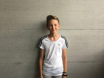 """Louis, 14, Höchst: """"Das Sommercamp hat mir gut gefallen. Ich habe mich schon davor etwas mit dem Programmieren beschäftigt. Da ich mich für dieses Gebiet interessiere und dieses Angebot entdeckt habe, habe ich mich dafür angemeldet. Ich habe mich gut aufgehoben und wohl gefühlt."""""""